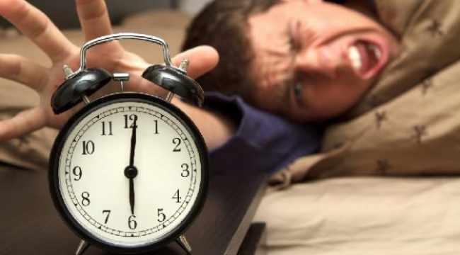 Pasang banyak alarm dengan selisih waktu berdekatan