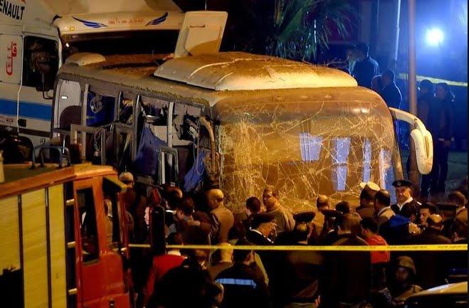 Viaggiare Sicuri Egitto: esplode bomba nei pressi delle Piramidi di Giza.