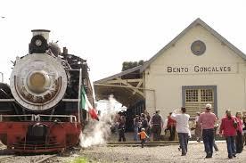 Trem antigo na estação de Bento Gonçalves