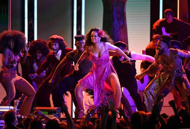 Rihanna's South African dance move excites fans