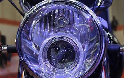 Royal Enfield Thunderbird 350 front headlighgt image