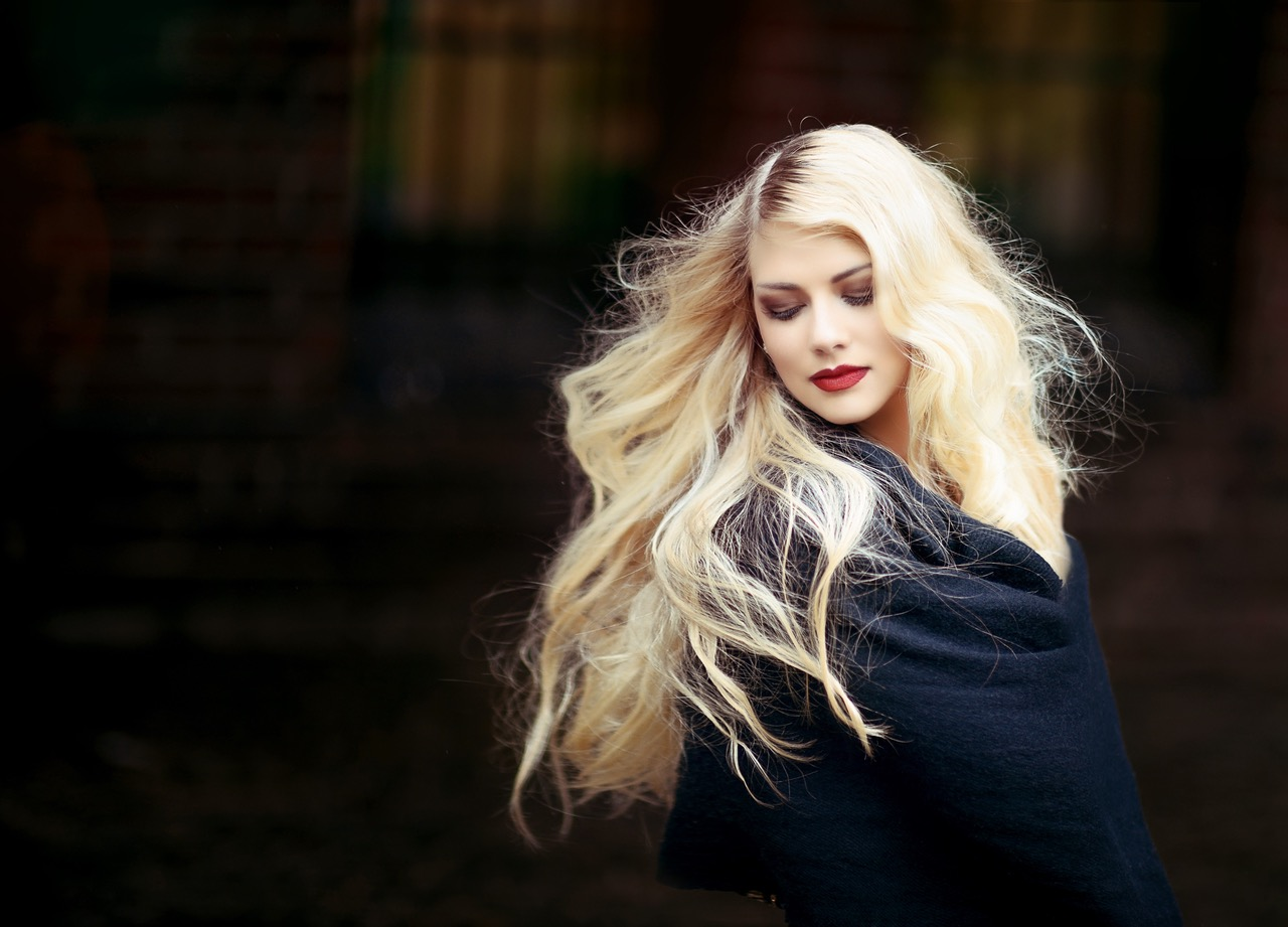 How to take care of your hair extensions like a pro chic fashion we are constantly seeing celebrities with beautiful hair extensions which make them look absolutely glamorous however once we try them it seems that we pmusecretfo Choice Image
