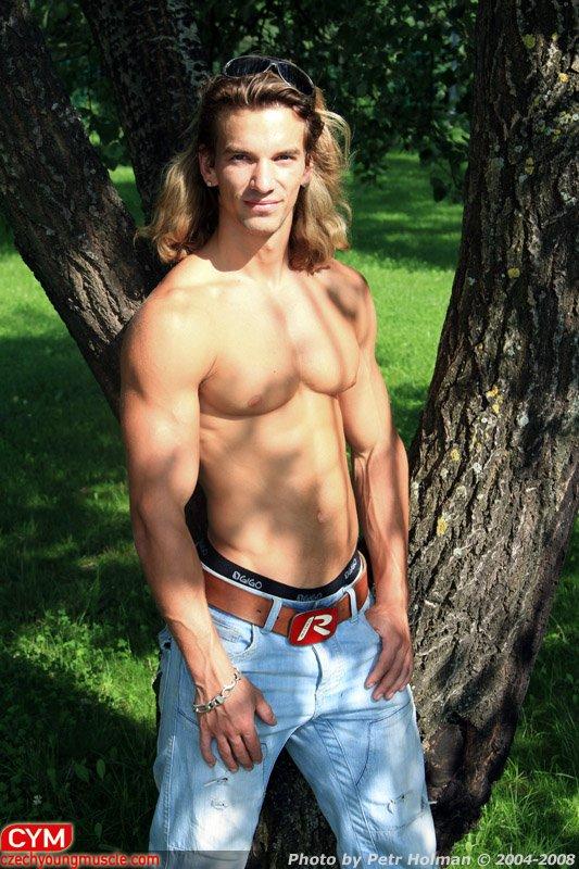 Filip Jurka: From Teen to Junior Bodybuilder