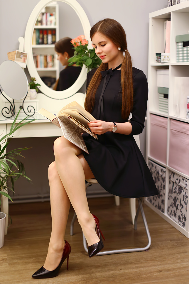 Ariadna Majewska  Black%2Bflared%2Bdress%2Bnude%2Btights%2Bpantyhose