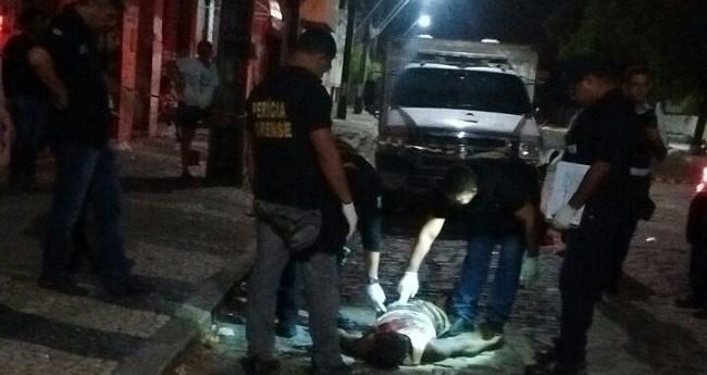 Violência no fim de semana deixa 43 mortos em 35 assassinatos e 8 óbitos em acidentes no Ceará