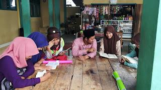 Up Date Foto Sarip Hidayat dan Reading Club di Co-Curiculer MAS Al-Holiliyah Cidaun