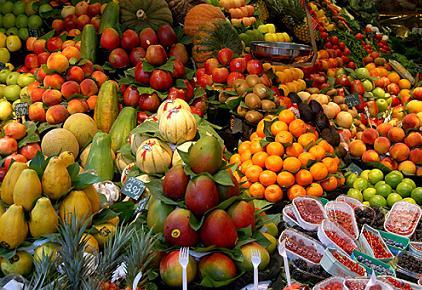 """Agenpress - """"Per la prima volta la spesa per frutta e verdura degli  italiani ha sorpassato quella per la carne ed è diventata la prima voce del  budget ... 79bb6d8371"""