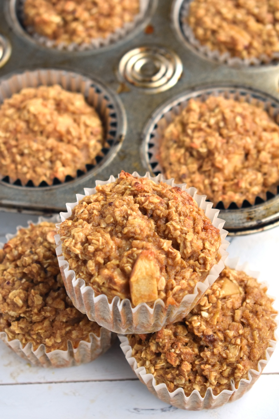 Healthy apple cinnamon baked oatmeal