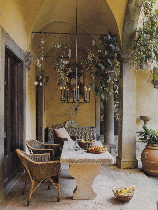 lunch latte space a columned loggia in tuscany. Black Bedroom Furniture Sets. Home Design Ideas