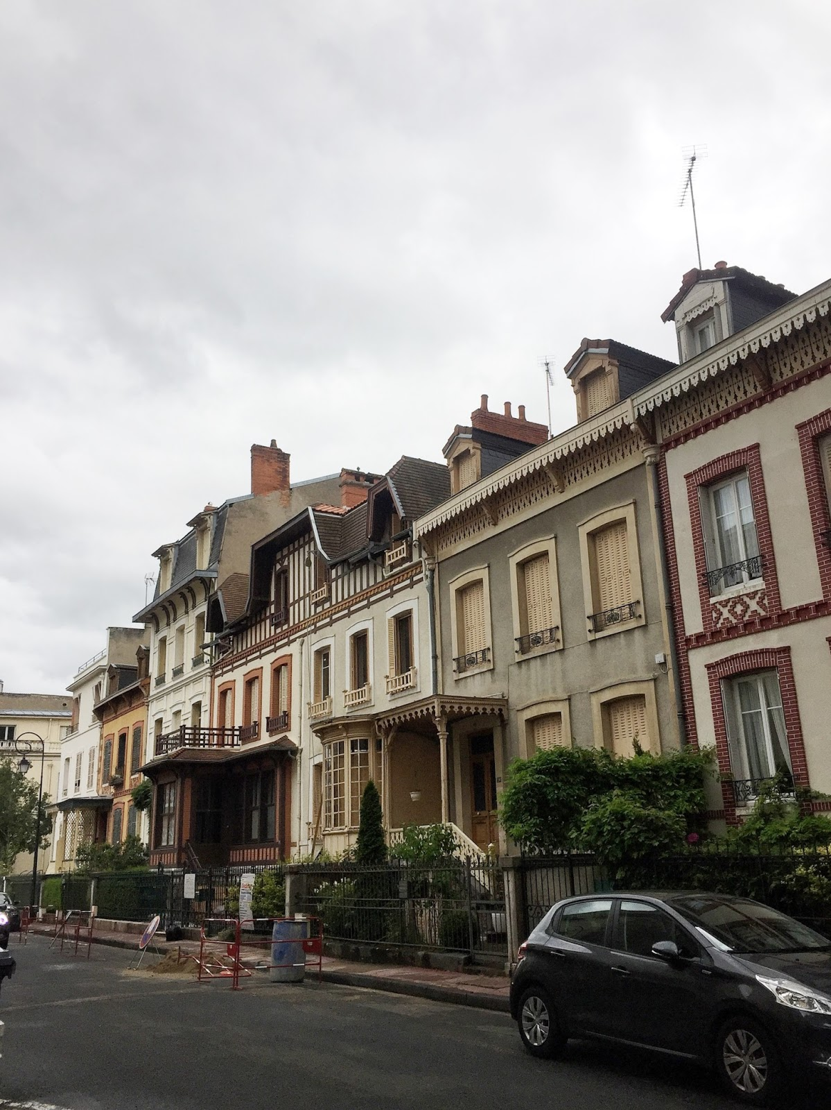vichy travel guide review houses