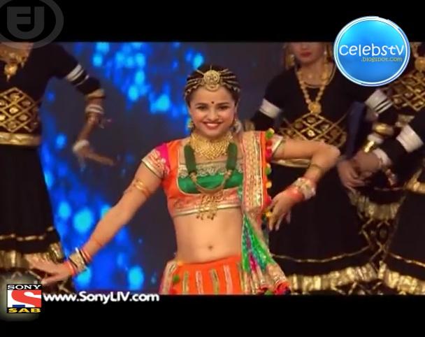 Bhavna Khatri Hot Bare Navel Showing Dance - Sexy Celebs' World