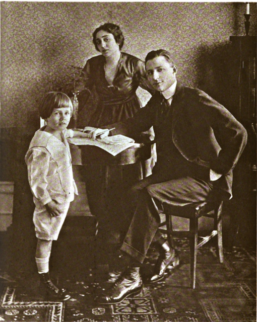 H.C. Witwer and family c. 1918 in The American Magazine