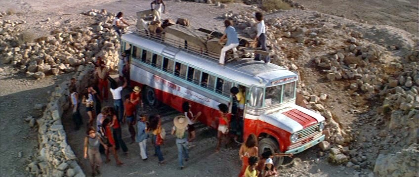Secuencia del film Jesus Christ Superstar, de Universal Pictures (1973) - Llegada de actores y de atrezo en autobús