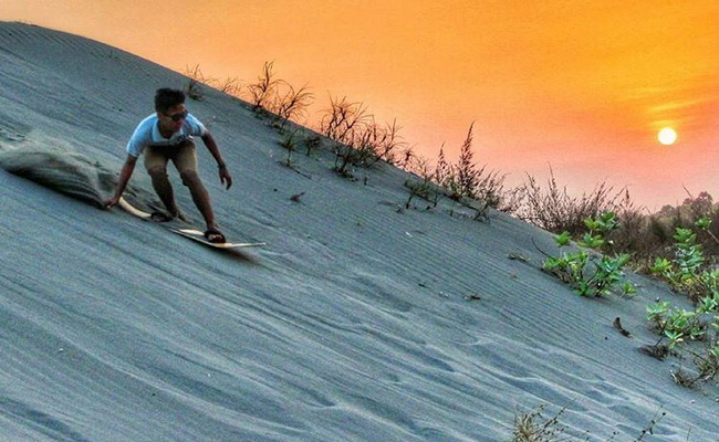 Xvlor Sandboarding Parangtritis is sand skiing on the southern coastal desert