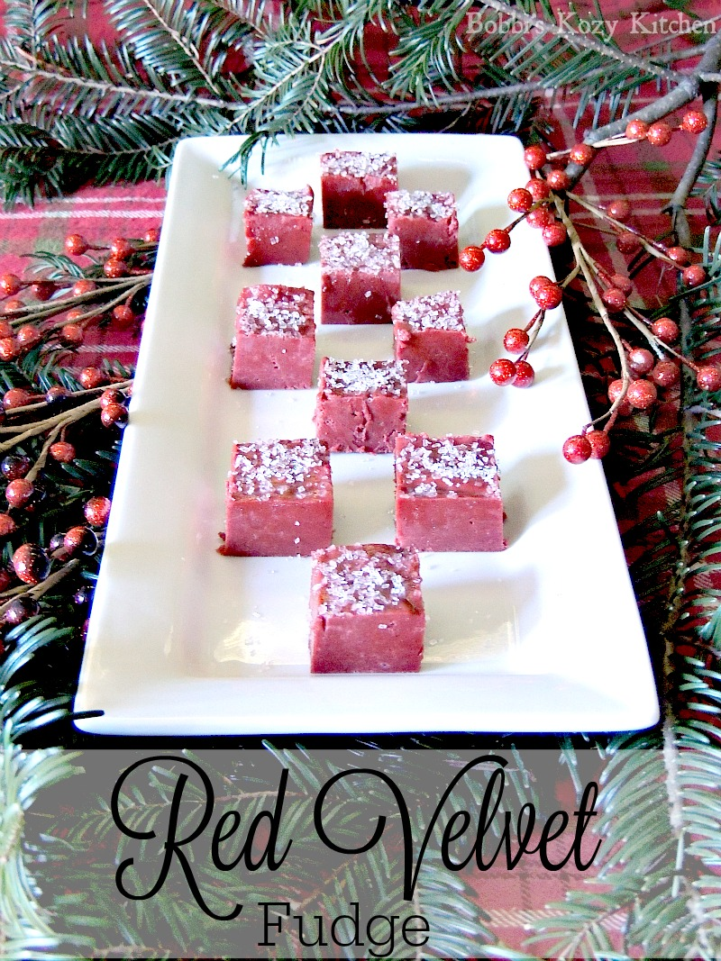 Red Velvet Fudge from www.bobbiskozykitchen.com