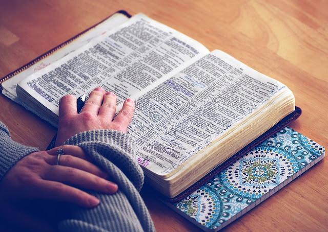 ¿Hay un código escondido en la Biblia?