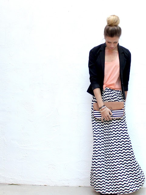 CHOOSE THE RIGHT PRINT - Fashion Tips For Short Girls