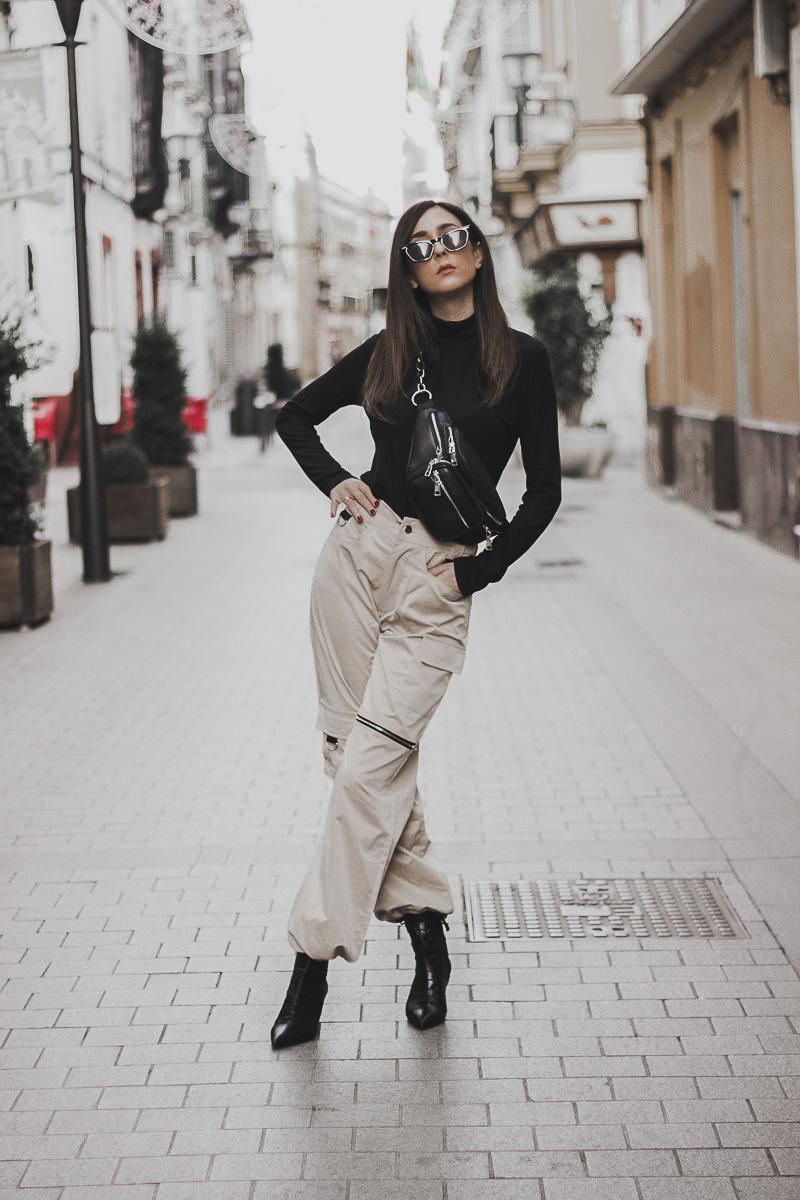 estilo militar con pantalones cargo