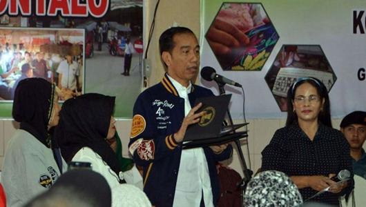 Jokowi: Harusnya Keluarga Uno Dukung Pak Sandi Uno, Kok Dukung Saya?