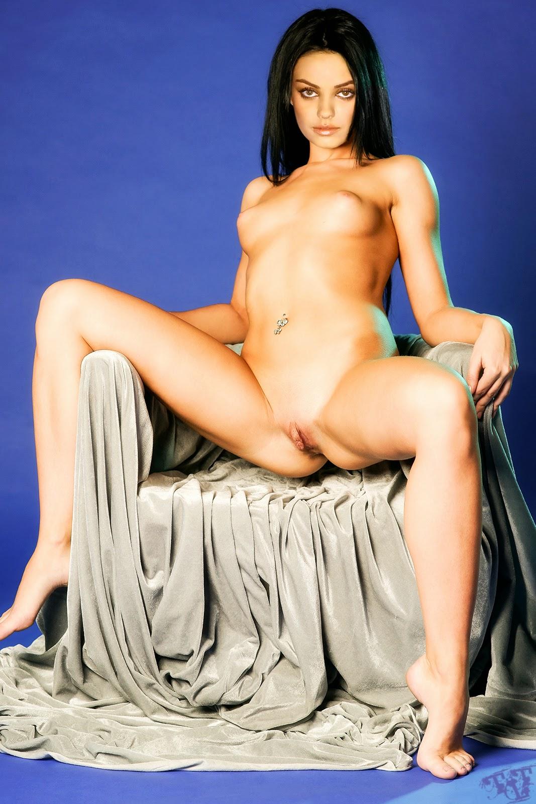 Mila Kunis Nude