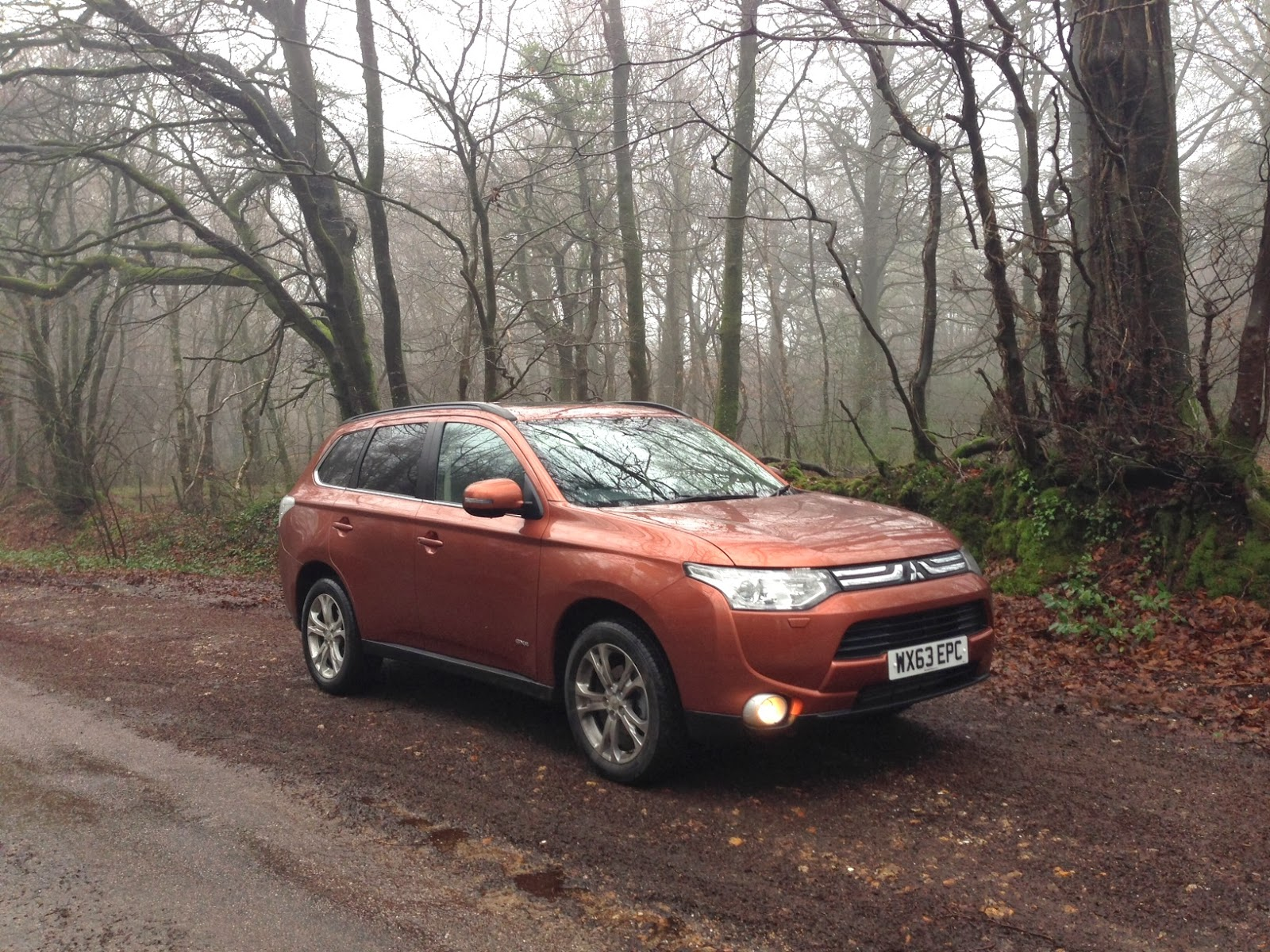 Speedmonkey: 2014 Mitsubishi Outlander 2 2 DI-D GX4 Review