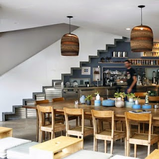 diseño cocina bajo escalera