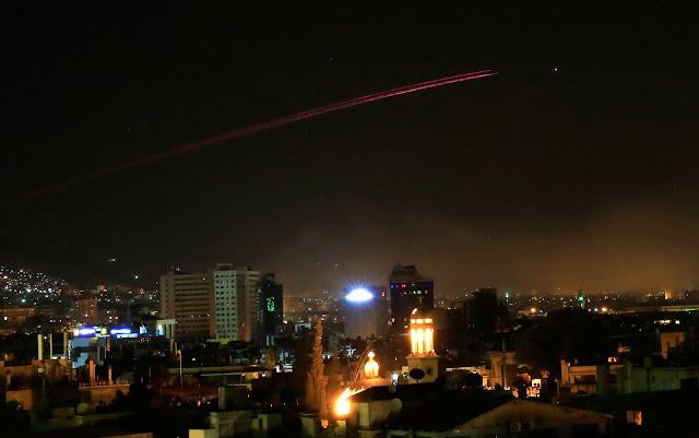 Resultado de imagem para EUA, Reino Unido e França atacam Síria em retaliação a suposto ataque químico