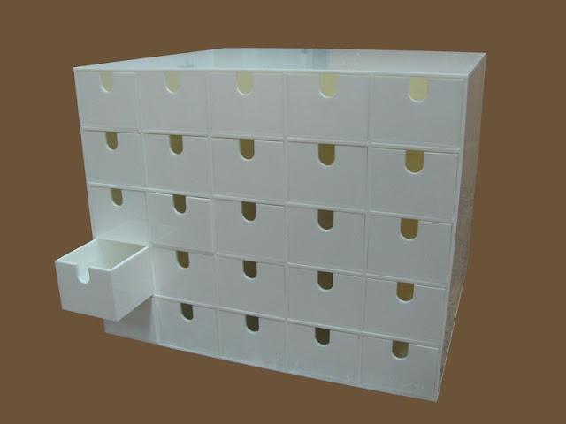 variety Acrylic trays