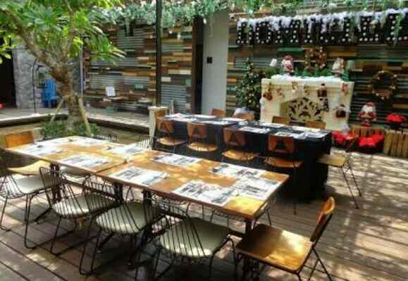 8 Tempat Romantis Untuk Wedding Outdoor Yang Bikin: 8 Tempat Makan Romantis BERKELAS Di Surabaya Yang Keren
