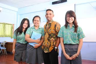 Catatan Guru Kampung yang Mencari Kerja di Jakarta Sampai Menemukan Kata Bahagia di Sekolah Ini