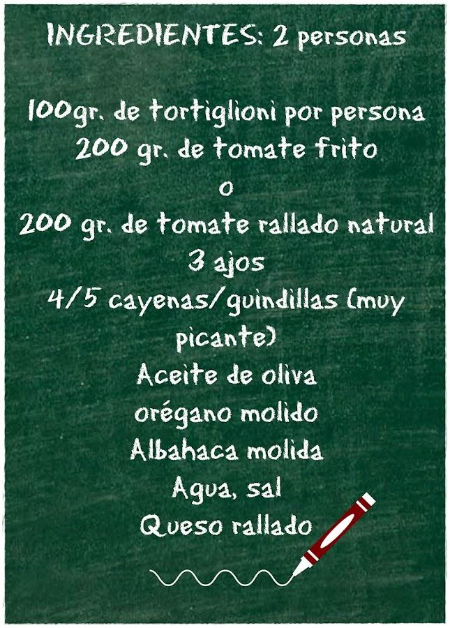 INGREDIENTES: TORTIGLIONI CON SALSA ARRABBIATA DE PERA Y ATÚN