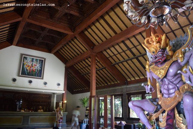 THE SUN SETS PERFECTLY AT HOTEL OMBAK SUNSET GILI TRAWANGAN