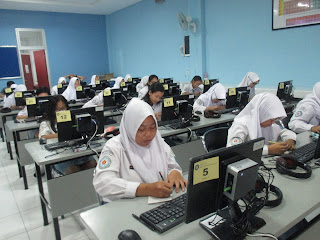 Laboratorium SMK Yayasan Pharmasi Semarang