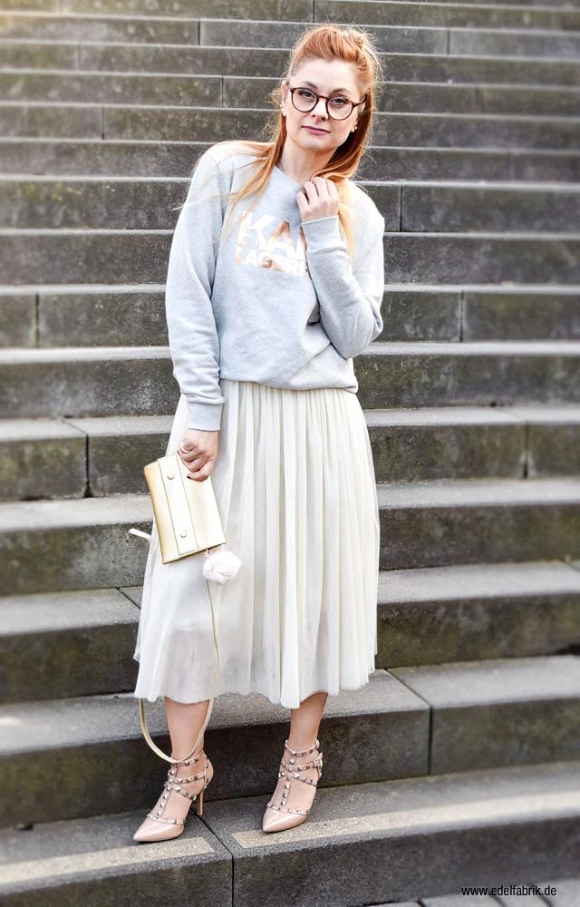 hellgrauer Karl Lagerfeld Pullover, rosa Studded Heels