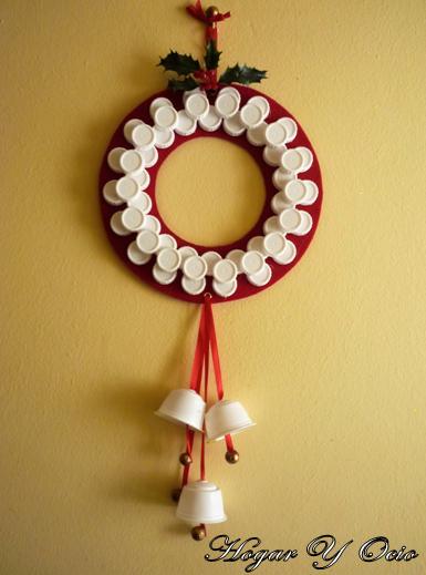 Hogar Y Ocio Cómo Hacer Una Corona De Navidad Con Materiales Reciclados
