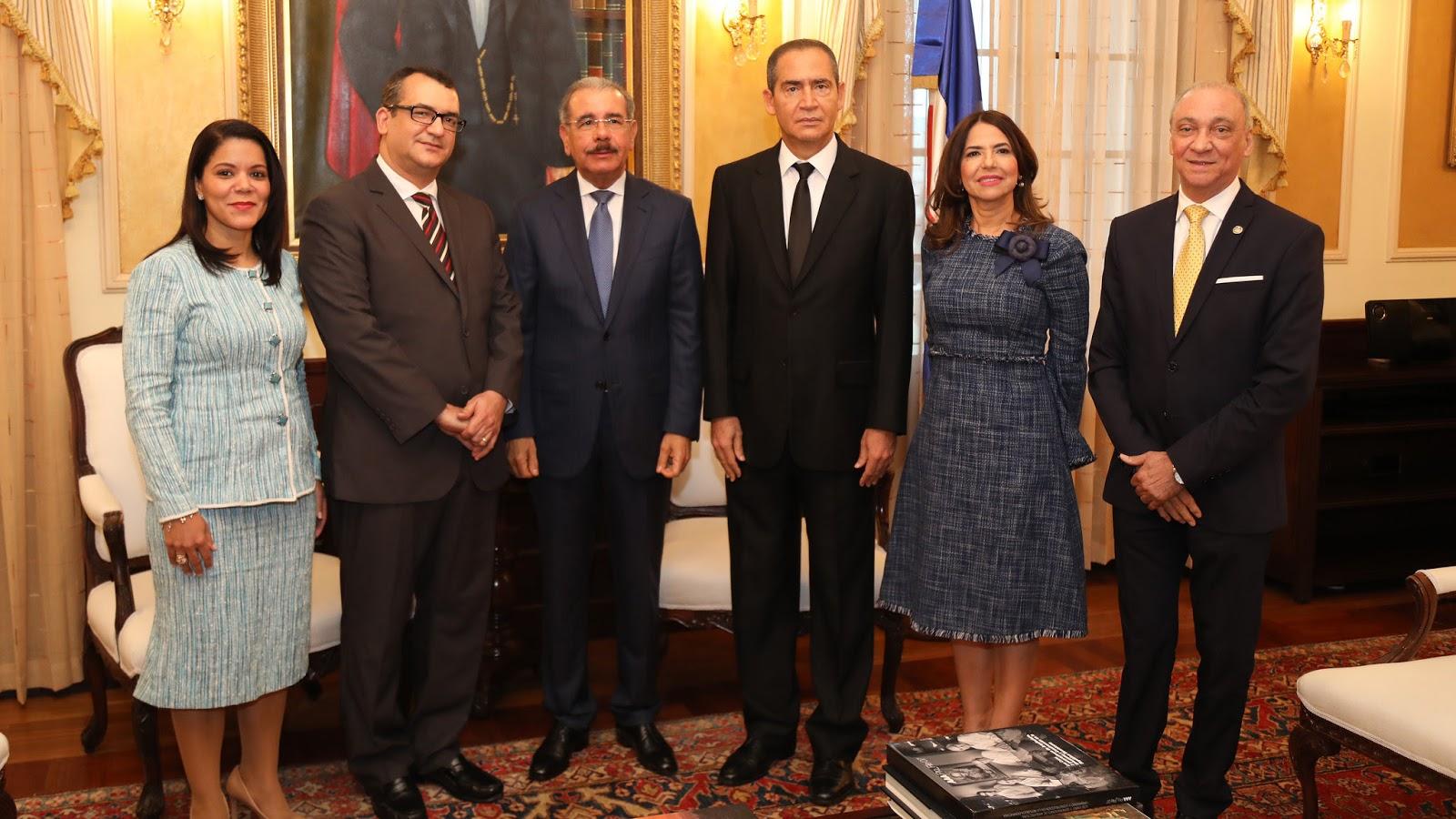Presidente Danilo Medina recibe al pleno del Tribunal Superior Electoral