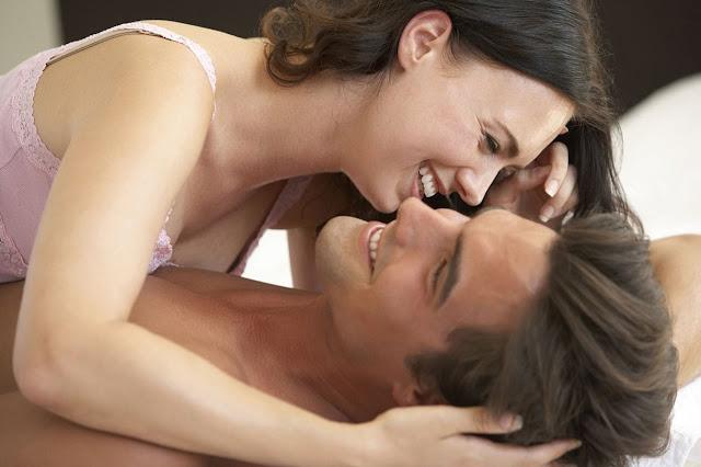 كيفية اثارة الزوجة لإشعال العلاقة الحميمة