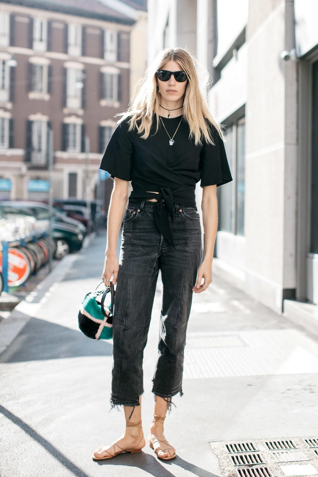 How to Wear Black Distressed Jeans for Summer — Veronika Heilbrunner Street Style