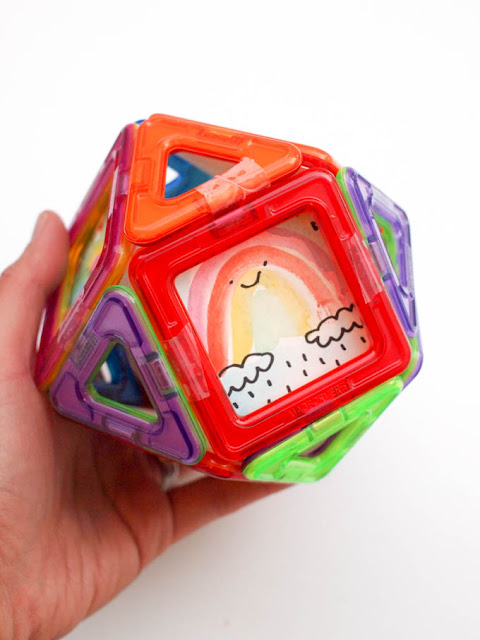 use magformers to frame tiny works of art- such a great way to recycled old toys and give them a creative artsy flair!