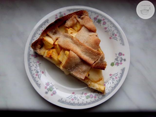 Tarta gryczana z jabłkami i budyniem kolanomuchy