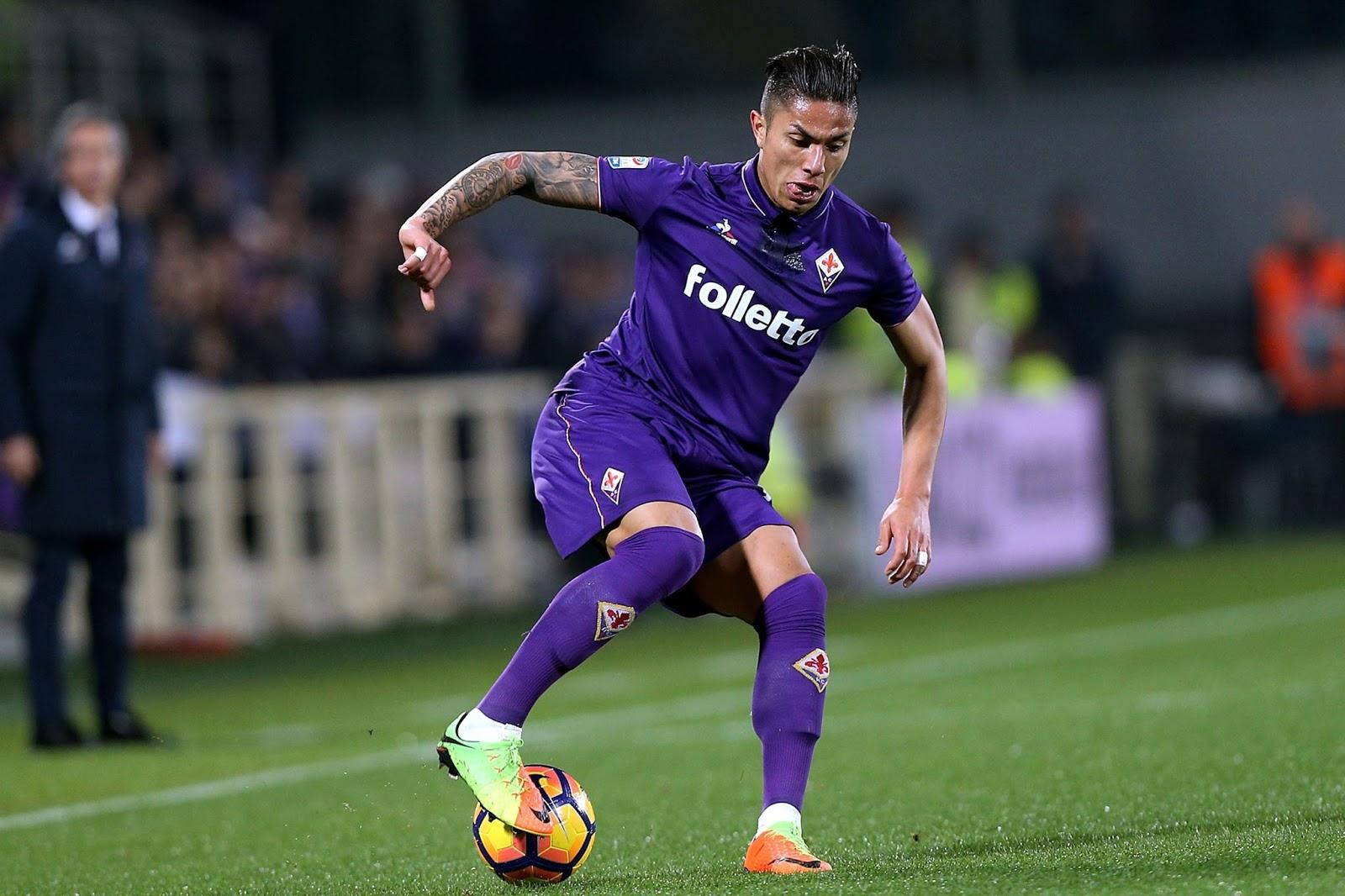 Salcedo compitió por un lugar estelar en la Fiorentina, pero futbolísticamente no le alcanzó.
