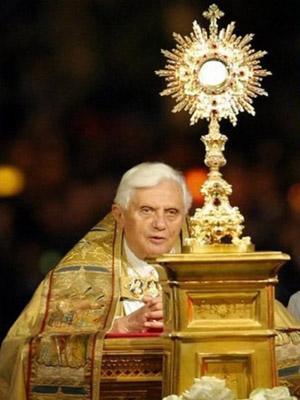 Osservatorio sul cammino neocatecumenale secondo verit l for Arredi liturgici cammino neocatecumenale