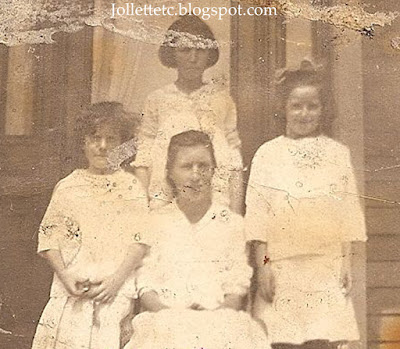 Killeen and Walsh sisters about 1914  https://jollettetc.blogspot.com