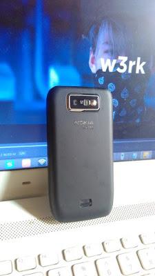 Nokia E63 dari belakang (original)