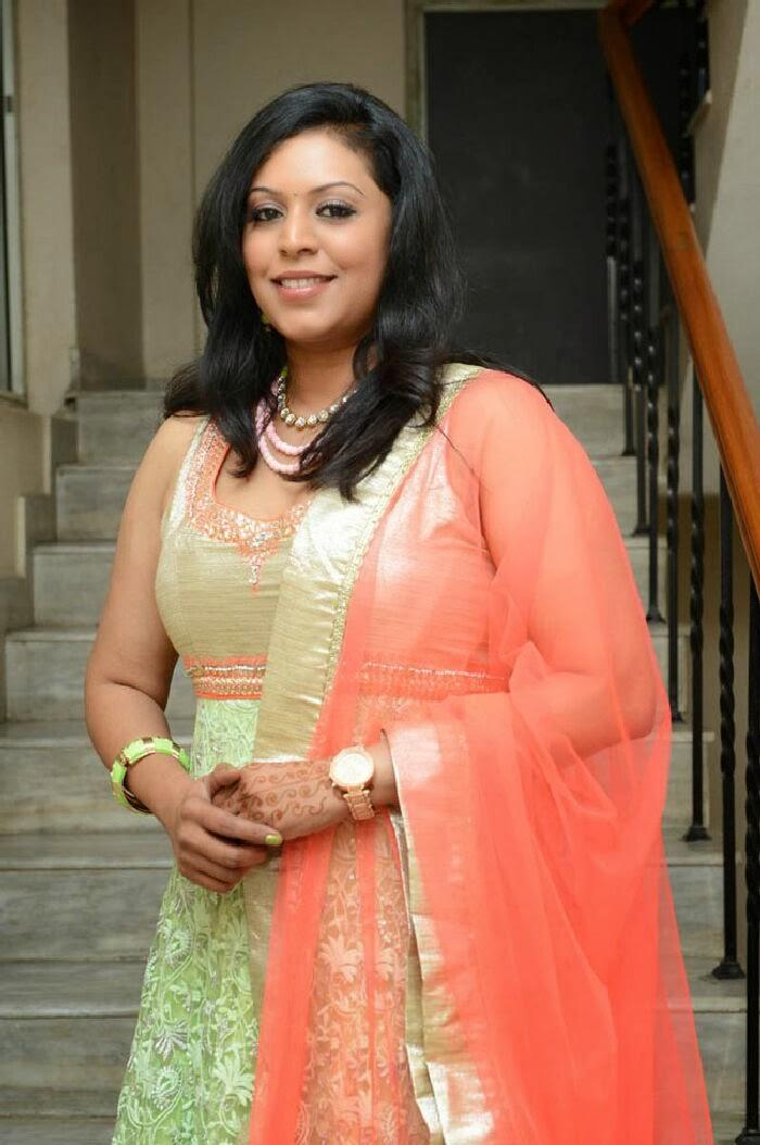 Tamilcinestuff   Singer Madhu Photos In Salwar Kameez At Swiss Bank Ki Daredi Movie Audio -2856
