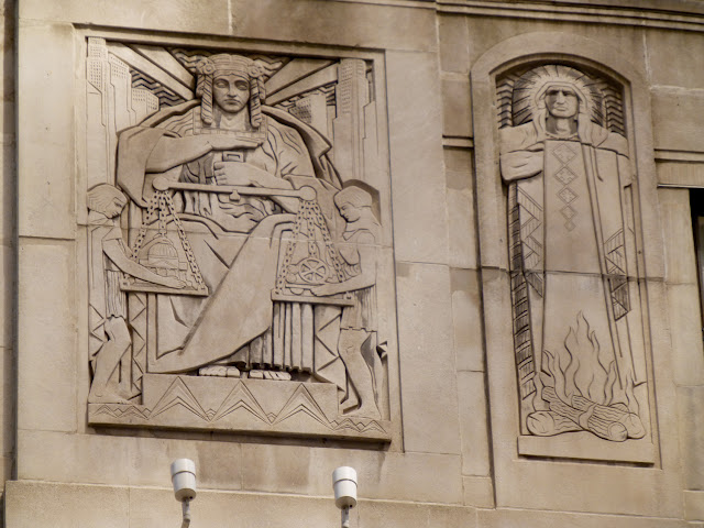 Exterior Art Deco del One LaSalle Street Building de Chicago
