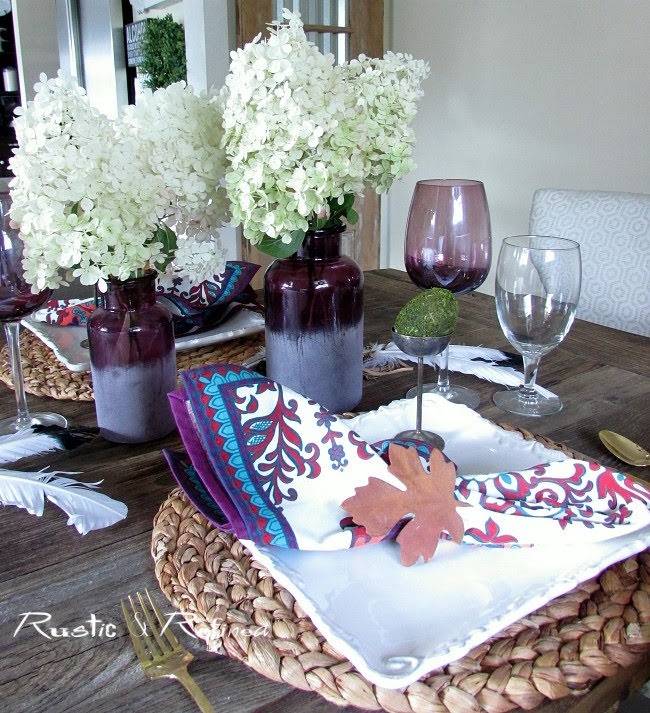 Setting a quick and easy summer tablescape when you no time or money.