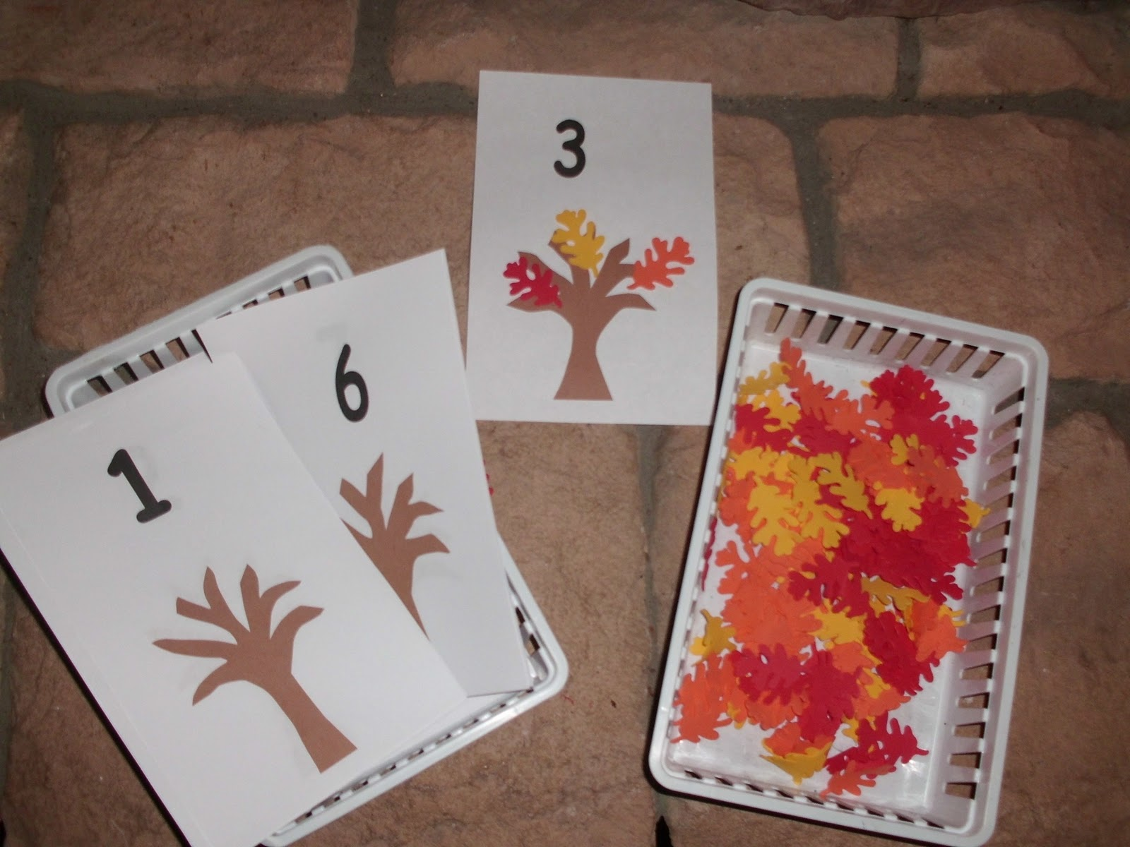 Happy Homeschool: Fall Themed Preschool Activities