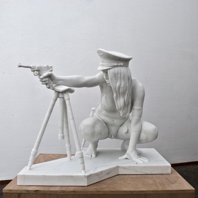 Девушка и пистолет. Thom Puckey 2