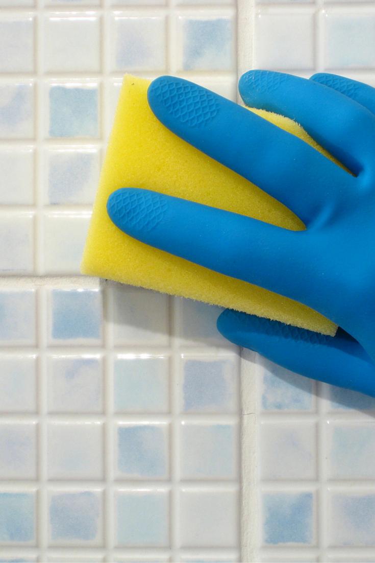 Hogar diez c mo eliminar la cal de tus azulejos - Productos para limpiar azulejos ...